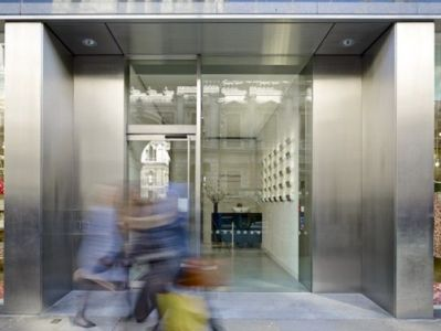 Office space rental London Entrance
