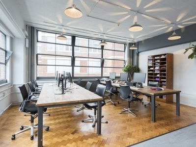 office space London Desk Area
