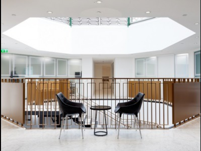 Office for rent in London Seating Area