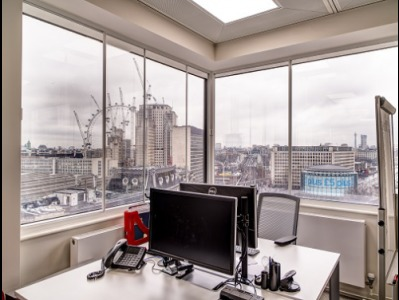 Offices for rent Central London Desk