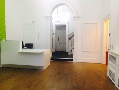 London office to rent reception