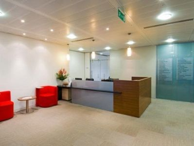 Office to rent London Reception