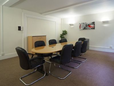 Serviced offices Central London Percy Street meeting room
